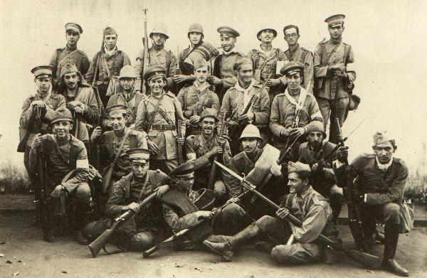 Um grupo de paulistas participante da Revolução Constitucionalista de 1932
