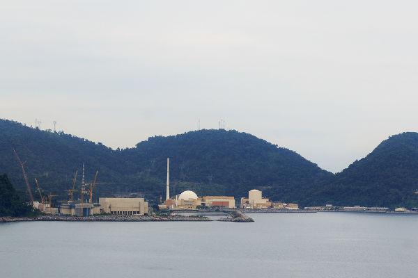 Usina nuclear Angra I, a primeira usina brasileira a produzir energia nuclear ¹