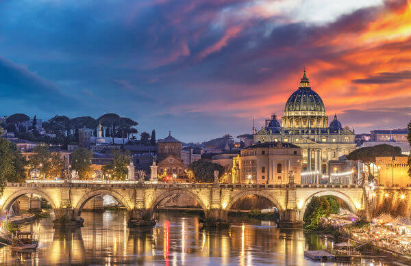 Com o Tratado de Latrão, assinado em 1929, foi oficializada a criação de um Estado papal: o Vaticano.