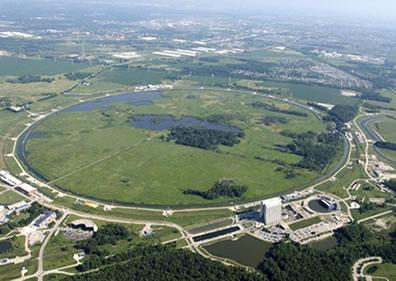 Vista aérea do Acelerador do Laboratório Nacional Fermi