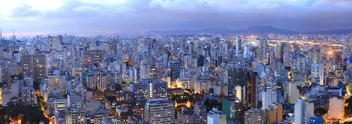 Vista aérea de São Paulo. A maior cidade do Brasil é uma metrópole global