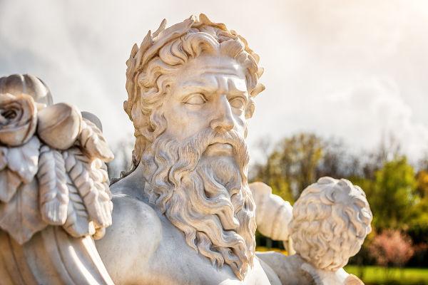 Zeus, o principal deus da mitologia grega, habitava o Olimpo.