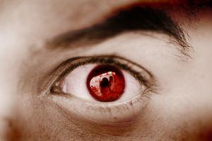 A ocorrência ou não dos olhos avermelhados nas fotos irá depender da claridade do ambiente