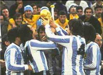 1978 - Mesmo sendo acusada de manipular exames antidopping a Argentina conseguiu levar o titulo