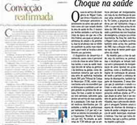 Editorial de uma revista e de um jornal: o primeiro assinado e o outro não