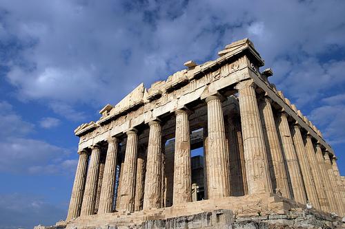 Parthenon – Templo grego construído em homenagem à deusa Atena, filha de Zeus na mitologia grega