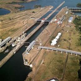 O canal do Panamá em funcionamento