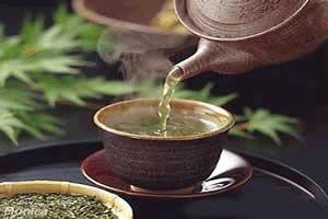 Chá verde: um poderoso diurético