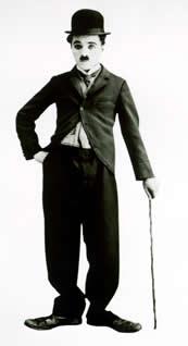 Charles Chaplin em um de seus trabalhos no cinema mudo