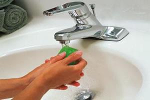 O simples ato de lavar as mãos pode evitar as disenterias bacterianas