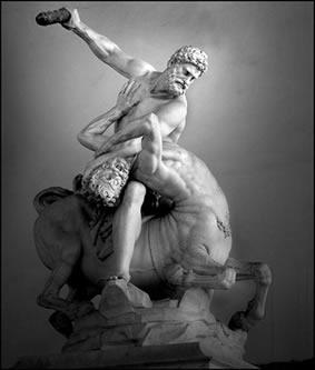 Era o filho do deus Zeus e da mortal Alcmena