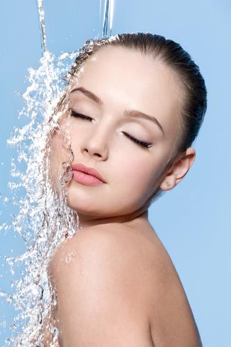 Quando a pele está bem hidratada, ela adquire boa elasticidade e aspecto macio e suave