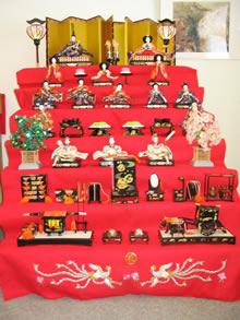 Exposição de bonecas do Hinamatsuri
