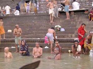 As águas do rio Ganges, na Índia, são consideradas sagradas pelos hindus