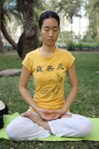O termo ioga significa: unir, juntar, atrelar