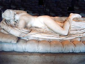 O hermafrodita adormecido: obra romana do século II