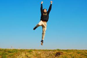 Liberdade - É a condição daquele que é livre; autodeterminação; independência; autonomia