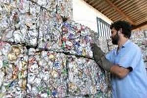 Em nosso país, quase 100% das latas de alumínio são recicladas.