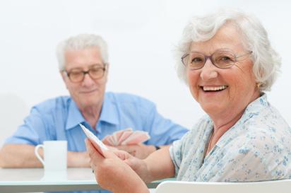 O aumento da expectativa de vida dos brasileiros também é responsável por ocasionar o envelhecimento da população.