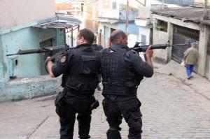 A repressão controlada e a polícia têm um papel crucial no controle da criminalidade