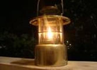 Querosene utilizado em um lampião para iluminação