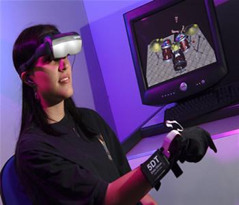 Sistema que habilita pessoas a interagir com um ambiente simulado