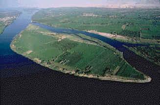 Rio Nilo, em suas margens surgiram grandes civilizações