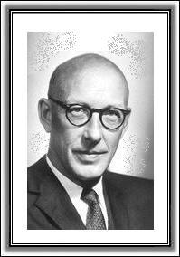 Edward Lawrie Tatum, pesquisou sobre a transmissão de características hereditárias através dos genes e suas atividades regulatórias