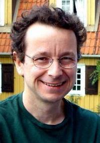 Um dos ganhadores do Prêmio Nobel de Química (2003)