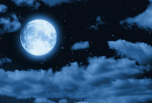 Existem inúmeras teorias que relatam a origem da lua