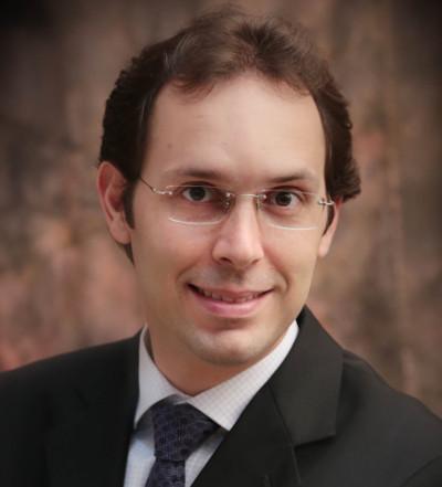Doutor Iury Castro é coordenador do curso de Odontologia da FASAM
