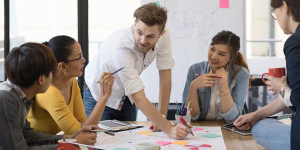 O trabalho em equipe é primordial no exercício da profissão de publicitário
