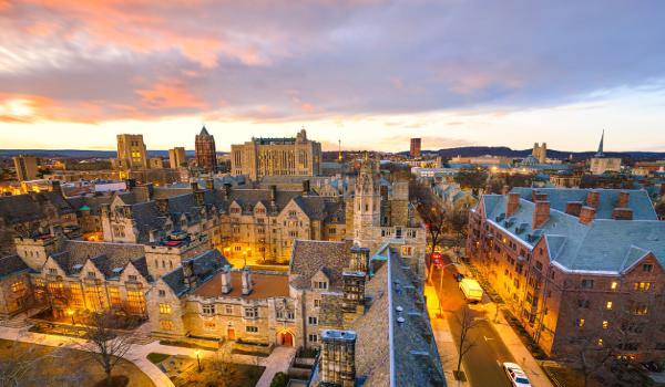 Universidade de Yale (EUA) recebe estudantes de mais de 100 países em todo verão