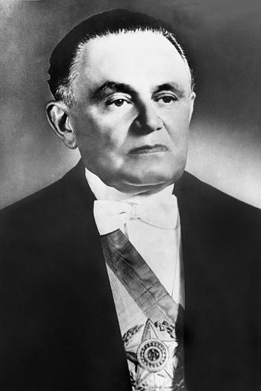 O general Humberto de Alencar Castelo Branco foi o primeiro presidente militar após o Golpe de 1964*