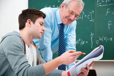 Alunos são orientados por professores