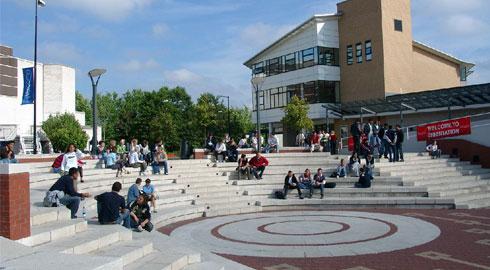 Universidade de Warwick, a melhor colocada do Reino Unido; o país vem perdendo lugar para a Austrália no ranking.