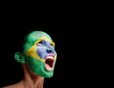 Como em 1992, parte da juventude brasileira pintou o rosto com as cores da bandeira para fazer suas reivindicações.