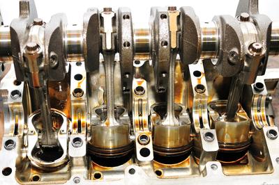 O motor de combustão interna é um tipo de máquina térmica que funciona a partir das Leis da termodinâmica e tem sido tema constante no Enem.