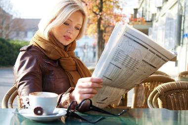 Para o Enem, é sempre importante acompanhar notícias nos jornais, na TV ou na internet.