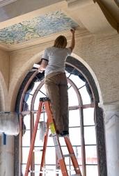 Somando técnicas modernas e antigas para restaurar casas e obras de arte