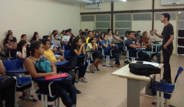 Aulas do PUA são realizadas no PET-Física, em Belém