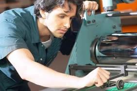 Esse profissional participa de todas as etapas da produção industrial