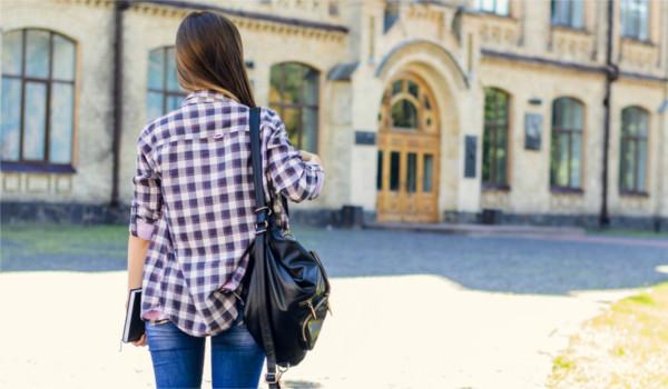 Bolsistas do ProUni podem transferir a bolsa para outro curso ou faculdade