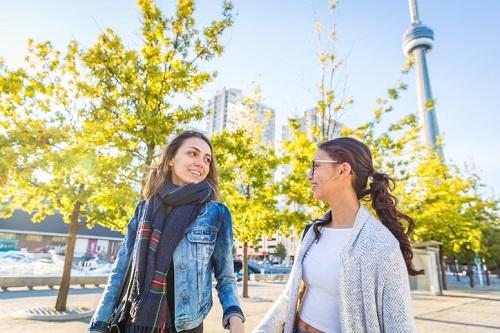 Brasil continua sendo o segundo país que mais envia estudantes para o Canadá