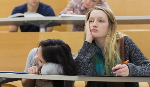 Carga horária excessiva prejudica o aprendizado dos alunos