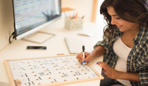 Cronograma pode ficar exposto no seu local de estudos para anotações