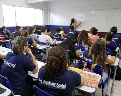 Cursinho é ofertado pela Prefeitura de Macaé, por meio da Secretaria de Educação
