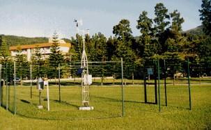 Uma estação meteorológica onde coleta os dados