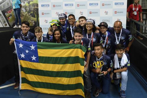 Estudantes de Goiânia disputarão torneio internacional de robótica na NASA