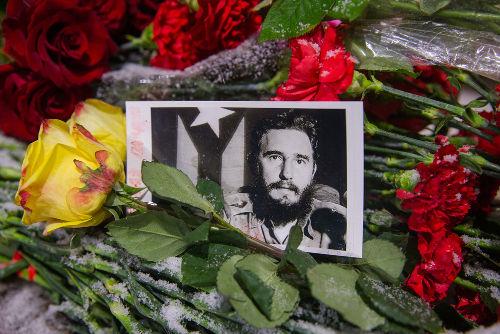 Homenagem da embaixada cubana em Moscou a Fidel Castro*